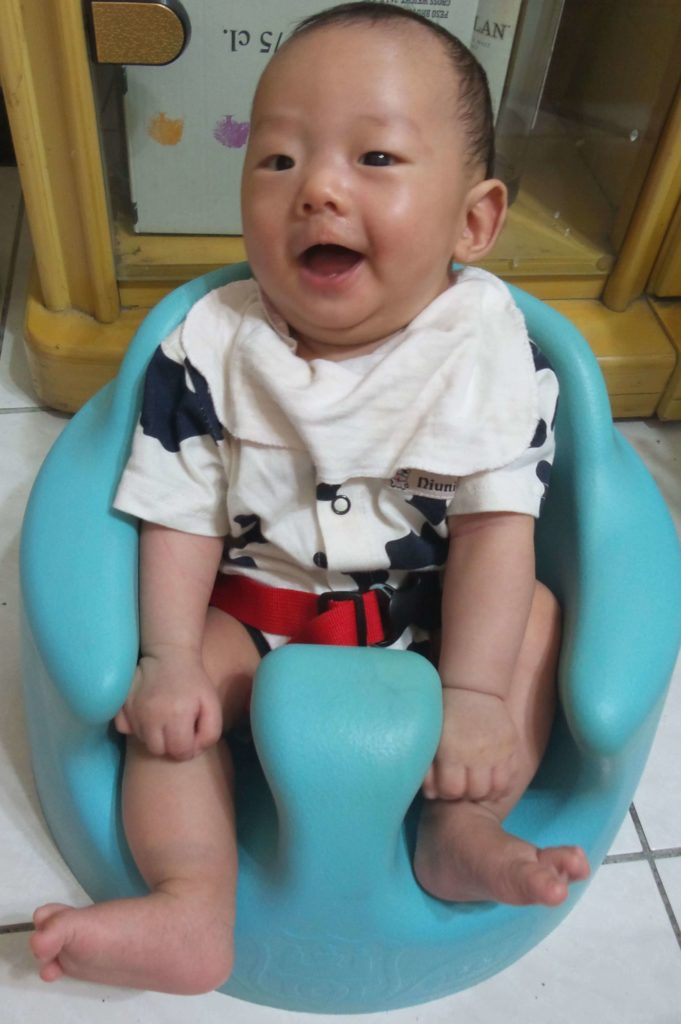 三個月柏司坐幫寶椅
