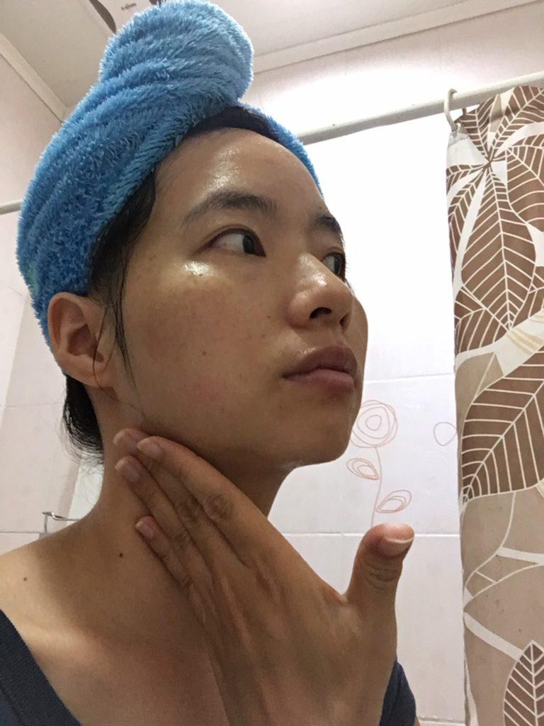 化妝水保養脖子