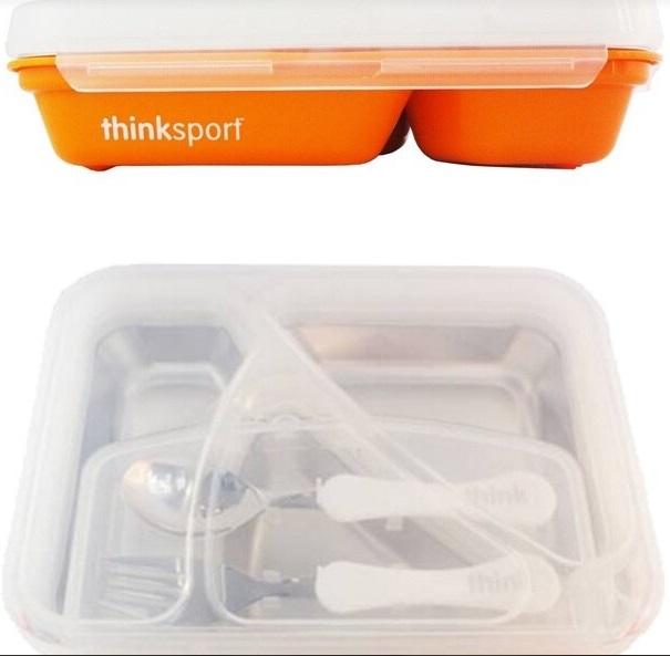 thinkbaby無毒不鏽鋼兒童餐盤套組,裡面包含一隻叉子和一支湯匙